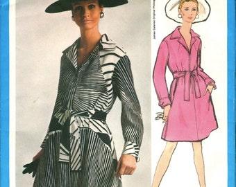 Fabulous Uncut Vintage 1960s Vogue Americana 1946 Designer James Galanos Zip Front A Line Shirtdress Sewing Pattern B34