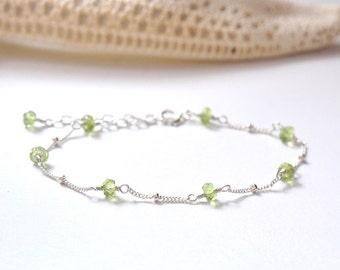 Peridot Bracelet, August Birthstone Bracelet, Bridesmaid Gift Set, Green Stone Jewelry, Delicate silver Bracelet, Peridot Silver Bracelet