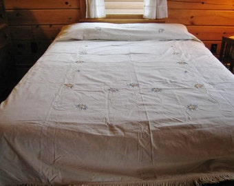 Handsewn Appliqued Flowers Embroidered Details Cotton Twin Bed Spread Coverlet 1920s-30s
