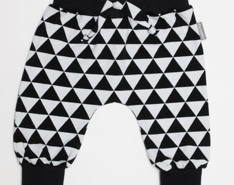 Babypants, pants, black and white, monochrome, triangle