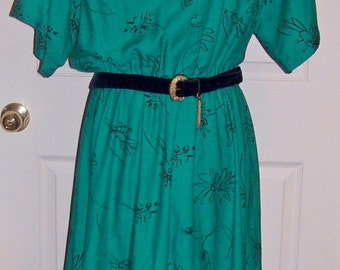 Vintage Ladies Green & Black Dress by Stuart Alan Size 16 Only 11 USD