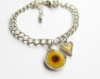 Sunflower Charm Bracelet, Yellow Flower and Heart Bracelet, Sunflower Jewellery, Flower Girl Bracelet, Bridesmaid Gift, Wedding Jewelry