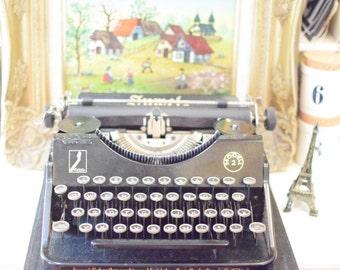 Vintage German Typewriter - Tuwel Brand - Manual Classic 1940s - Black and Portable