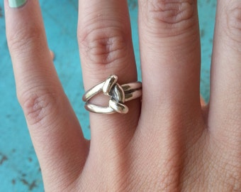 Toggle Ring in sterling silver, unique silver ring for her, silver knot ring, silver love knot ring, tied knot silver, silver infinity