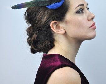 Simple Fascinator with Magpie Tail Feather in Cobalt Blue and Black
