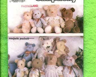 Simplicity 7210 Teddy Bears in Three Sizes Mama Papa and Baby