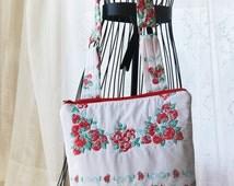 Padded Sling Bag, Tablet Tote, Tablet Carrier, Vintage Table Cloth, Upcycled Cross Body Bag, Zip Top Bag, Insulated Sling Bag, Shoulder Bag