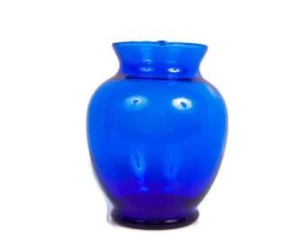 Vintage Cobalt Blue Glass Vase Flower Vase Centerpiece Arrangement Holder Window Display Hand Blown