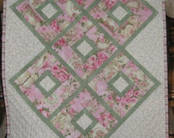 Quilted Table Runner, Pink Teapots with Green Prairie Points
