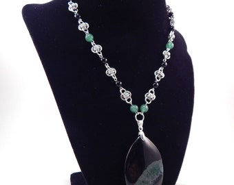 Black and Green Agate Barrel Chainmaille Necklace