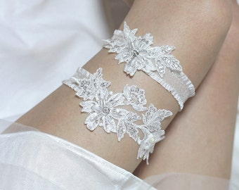 White lace garter set, bridal garter set, lace garter set, wedding garter set, bridal garter belt