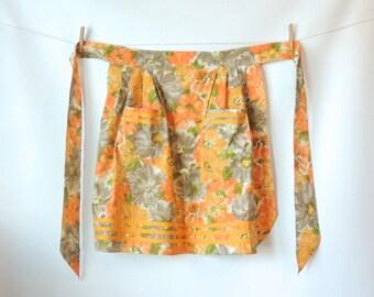 50s Half Apron / Watercolor Floral Print Cotton Apron / White Yellow Green Gray Orange Flowers / 50s 60s Apron / Schwartz Leibman Textiles