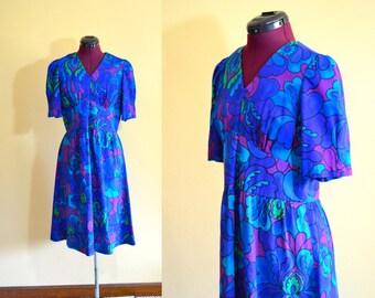 1960s Vintage Empire Waist Purple Floral Dress size M bust 36