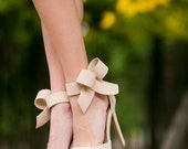 Wedding Shoes, Nude Bridal Shoes, Nude Heels, Wedding Heels, Bridal Heels, Nude Heels, Nude Pumps, High Heels with Ivory Lace. US Size 8.5