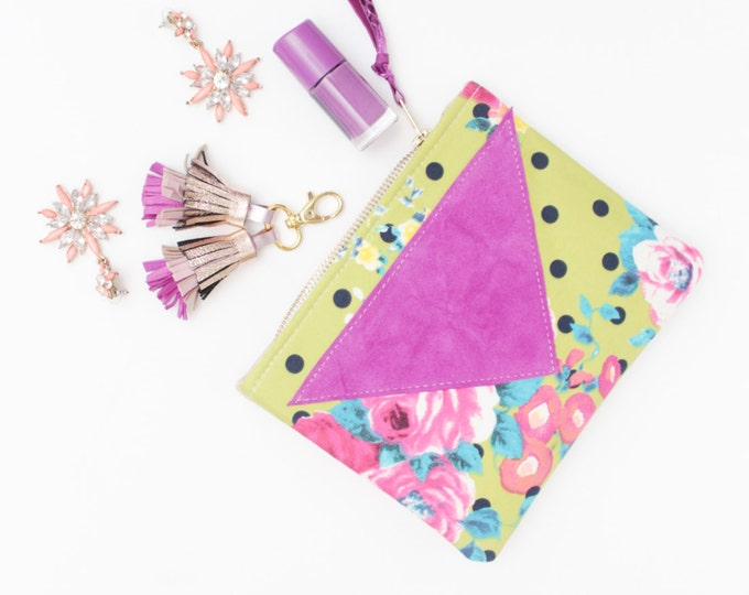 Flower makeup bag. Cotton zipper pouch. Cosmetic pouch. Makeup organizer. Pencil pouch. Travel pouch. Polka dot print. /SPLASH 54