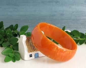 Tangerine Orange Bakelite Bangle Bracelet - Vintage Chunky Bakelite Bracelet - Domed Citrus Orange Marbled Swirl Bakelite Bangle - Tested