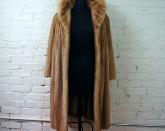 Pastel Mink Fur Swing Coat 1960s Vintage Autumn Haze  MEDIUM Natural Ranched Mutant Mink Jacket Light Brown Female Pelts