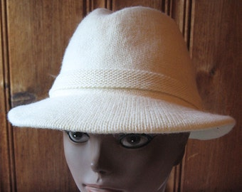 "White Knit Homburg Hat - Ladies' Vintage Winter Hat with Bow - Cream White Women's Accessories - Warm Lined Fedora Hat - 21"" Band Small"