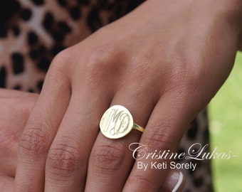 10K, 14K or 18K Solid Gold, or Silver - Hand Engraved Round Disc Ring (Order Any Name) - Yellow, Rose or White Gold