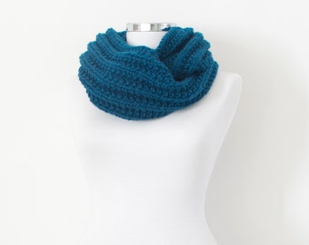 Loop Gift Scarf, Oversized Scarf Gift, Long Cowl Womens, Circle Knit Cowl, Loop Gift Cowl, Chunky Bulky Scarf, Scarf Chunky Big, Best Seller