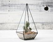 Obelisk terrarium / Handmade Geometric Terrarium / Stained Glass / indoor garden / Glass Planter / Modern Planter / upcycled