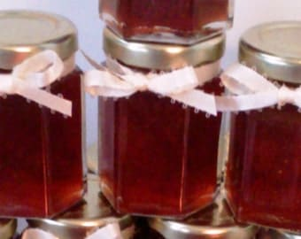 Strawberry Jam favors/ Wedding/Anniversary/ 25 Favors/ 2 oz Each/ Red Party Favors/ Valentine's Day Wedding