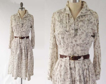 Vintage 50s Cotton Day Dress - White & Brown Leaf Print Long Sleeve Fit and Flare Shirtdress - Size Small to Extra Small S XS