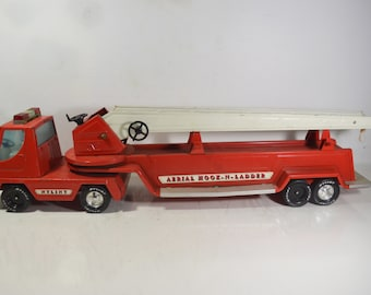 Aerial Hook-N-Ladder/NyLint Toy Fire Truck, USA