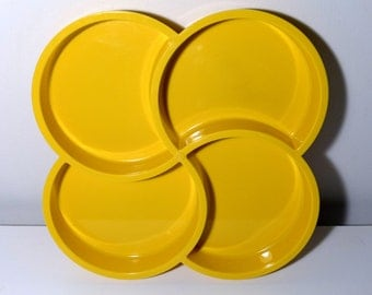 Dansk Yellow Melamine Four Section Clover Leaf Serving Tray Large Mod Plastic Outdoor Serving Ware Picnic