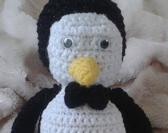 Penguin plushie/soft toy