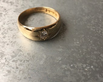 Antique 18 kt gold .25 ct diamond gypsy ring / band.
