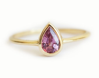 Pear Sapphire Ring, Purple Sapphire Ring, Pink Sapphire Ring, Sapphire Ring Engagement, Simple Sapphire Ring, 18k Gold Engagement Ring