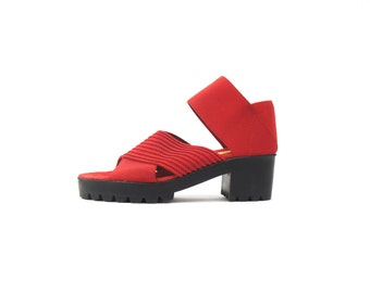 Red Platform 90's Chunky Heel / Stretch Strap Vintage Women's Sandals / Shoes Size 6.5