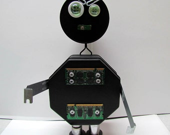 Found Object Robot Sculpture / Assemblage Robot Figurine - One of a kind unique  creation