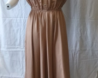 1980s Vintage Ms. Chaus Safari Style Dress, Size 14, Gorgeous Tan Khaki, Elastic Waist, Snap Front Closure, Eyelet Details, Vintage Clothing