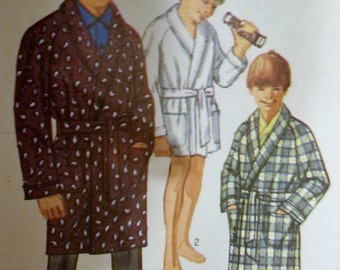 Simplicity 8471 Boys Robe In Two Lengths Size 10 Chest 28 - CUT