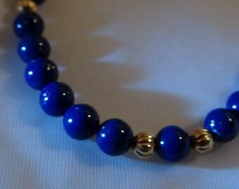 "Lovely Vintage Avon Vivid Blue Faux Lapis Bracelet with Goldtone Ribbed Beads 7-1/2"" 1960s Flecks of Color"