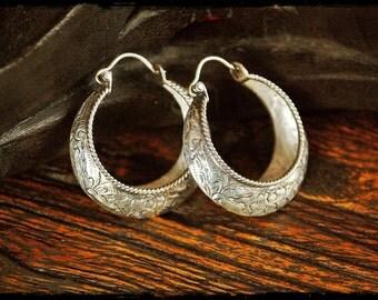 Lotus Carved Hoop Earrings - Medium