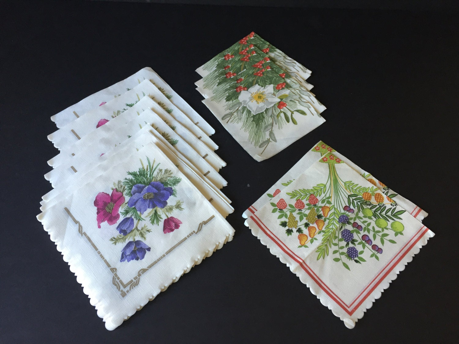 floral paper napkins Carole shiber's napkins are a generous 20, they machine wash and dry, and need no ironing add our hand-painted leafy napkin ring that will create a rose purchase them in hand-picked bouquets, perfect as a gift of flowers – no watering necessary.