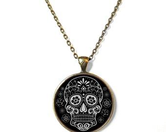 Black & White Sugar Skull Necklace, Bubblegum Nu Soft Grunge Pastel Goth Sugar Skull Jewelry, Creepy Cute Day of the Dead Halloween Jewelry