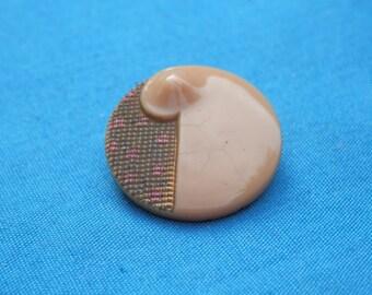 Vintage Art Deco BUTTERSCTOTCH Button