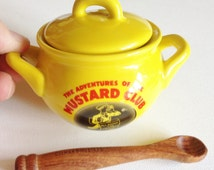 Lovely bright yellow ceramic china lidded mustard pot and wooden spoon the adventures of Colman Mustard Club perfect condition