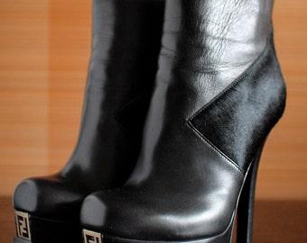 """FENDI """"the Fendista"""" black original Platform booties. Runaway boots Designer heels"""
