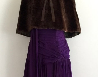 Sumptuous 1940s chocolate brown kangaroo fur capelet with padded shoulders and olive green oriental damask lining