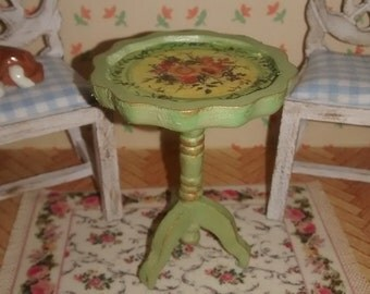 Dolls House 12th scale Pedestal / Wine Table