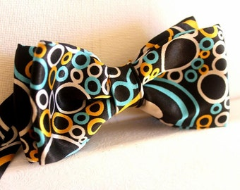 bow ties in black with bubbles