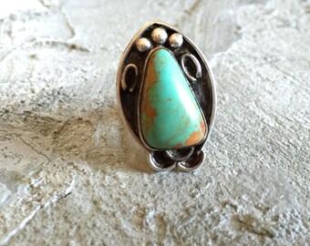 Vintage Horseshoe Turquoise Shadowbox Silver Ring