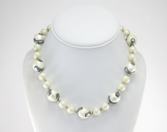 Vintage Off White Bead Necklace, Frosted, Silver Tone, Glass Beads, Lucite Beads