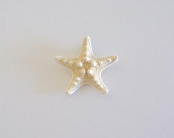 White Knobby Starfish Hair Clip