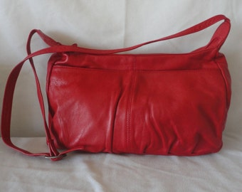Pre-Owned Red Leather Shoulder Bag*******.